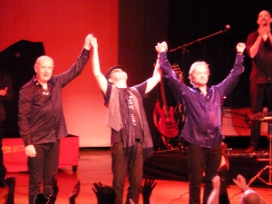 Monkees bow 2012 Tour